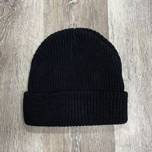 Urban Outfitters loose fit beanie, black.